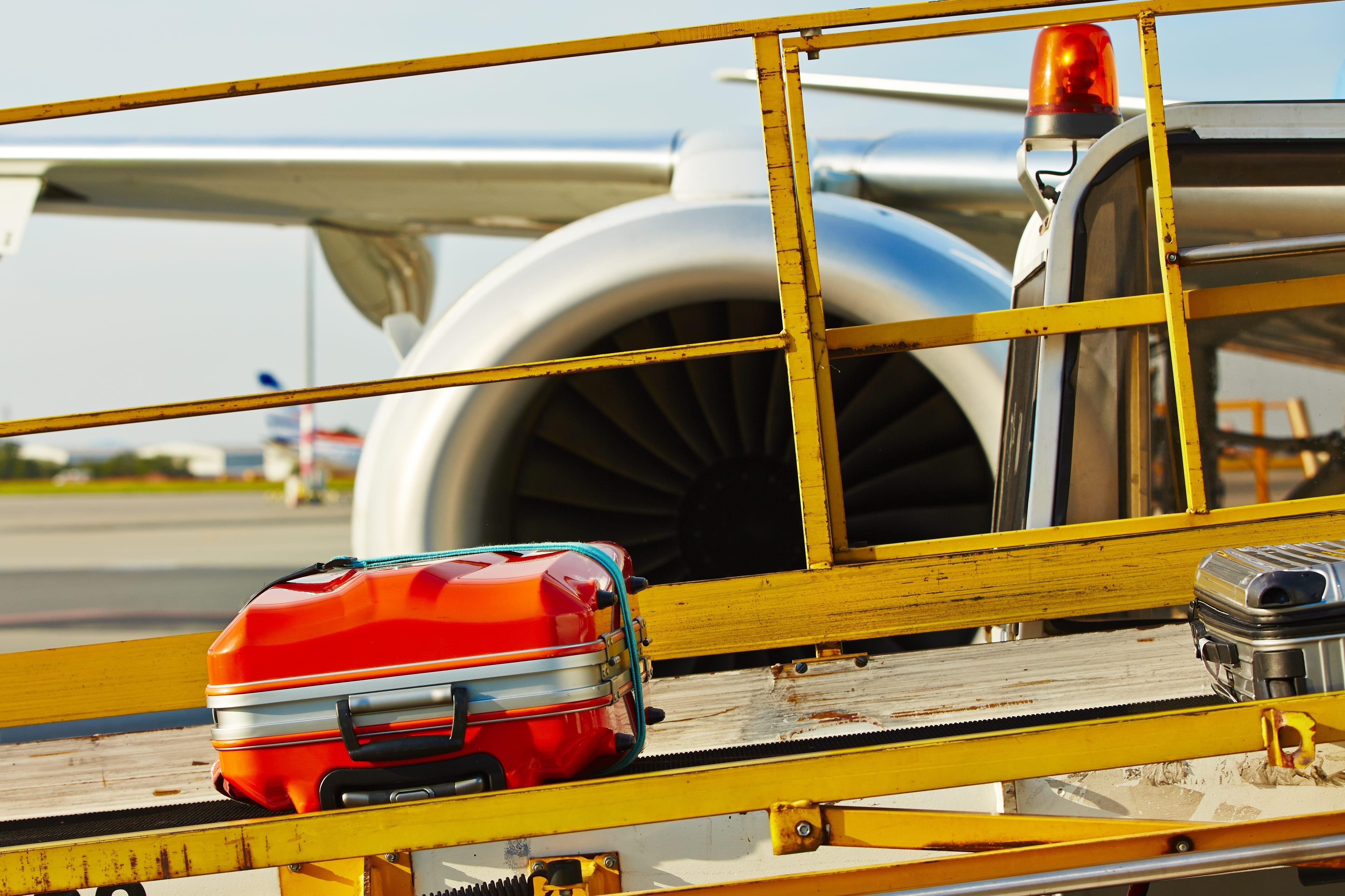 w22-3-Luggage conveyor belt