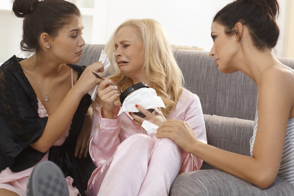 w26-5-Girls comforting crying friend