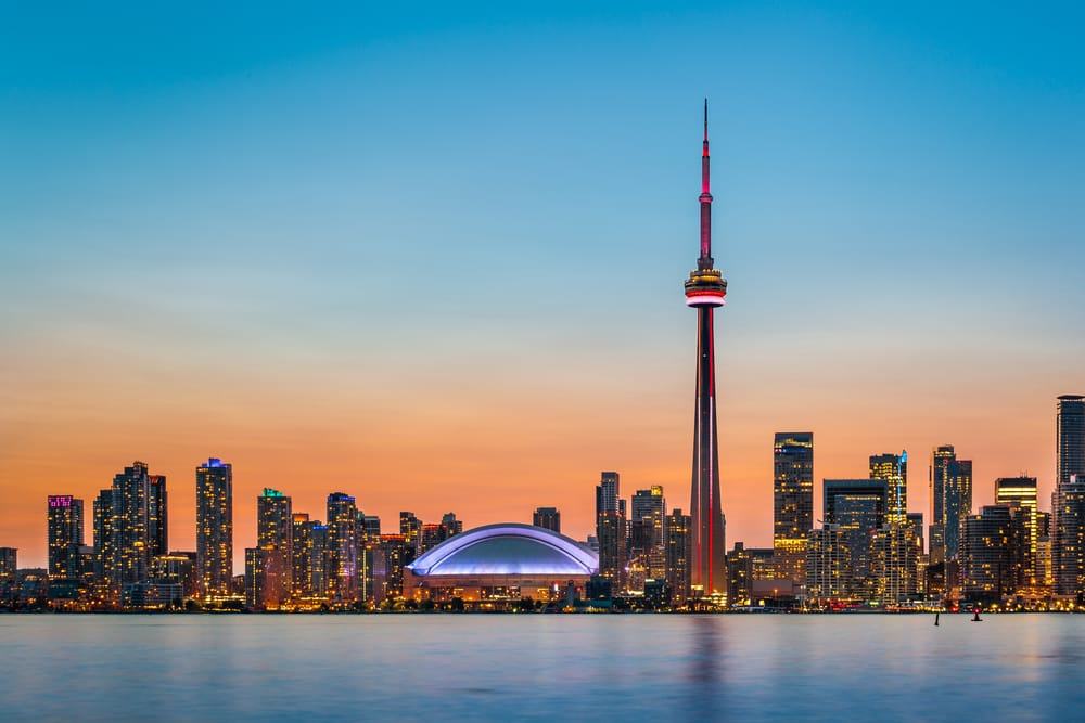 B1_3_Skyline of Toronto over Ontario Lake at twilight